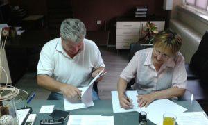 Ravnatelj CZSS Ivanec Robert Čusek i predsjednik Šemsa Mustačević potpisali ugovor o partnerstvu