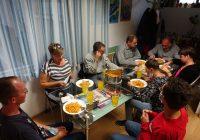 Članovi Kluba pripremili ručak u poludnevnom boravku Kluba sa predsjednicom