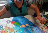 Umjetnica Sanja sa svojom slikom