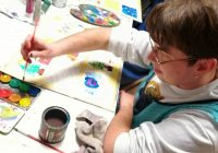 Umjetnici u likovnom atelieru